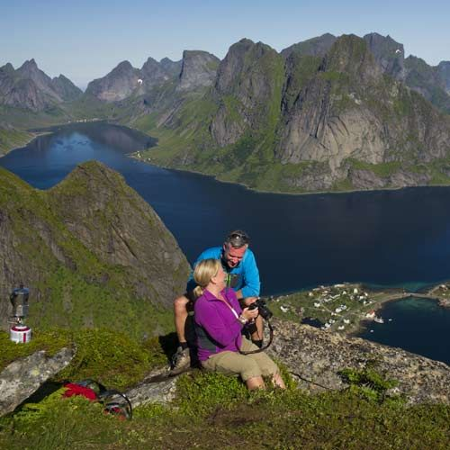 Innovation_Norway-CH-Hiking-Reinebringen-Reine-Lofoten-Nordland